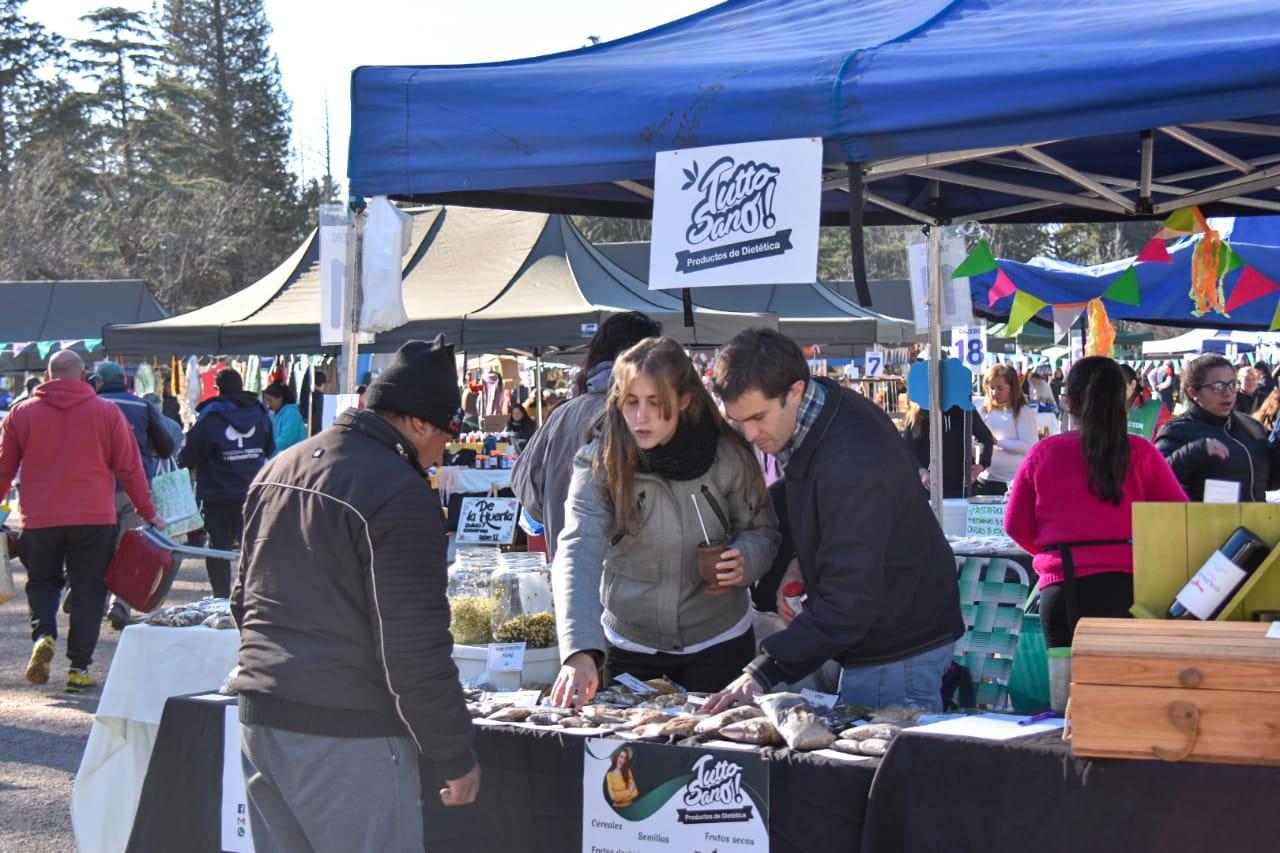 Comenzó la edición especial de invierno de la Feria de Pequeños y Medianos Productores
