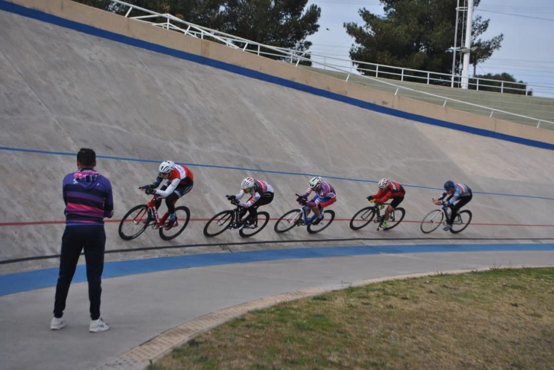 El Velódromo Provincial recibió a la Selección Argentina de Ciclismo