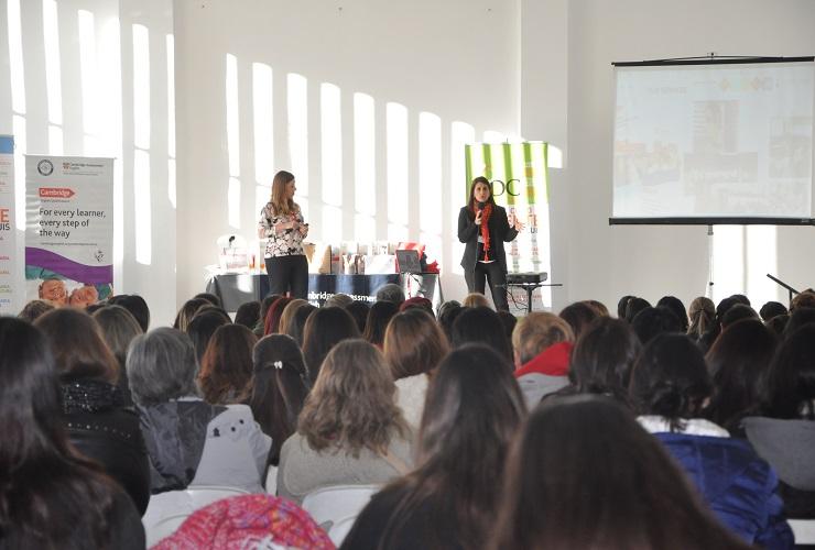 Más de 350 docentes participaron de una jornada de actualización en inglés