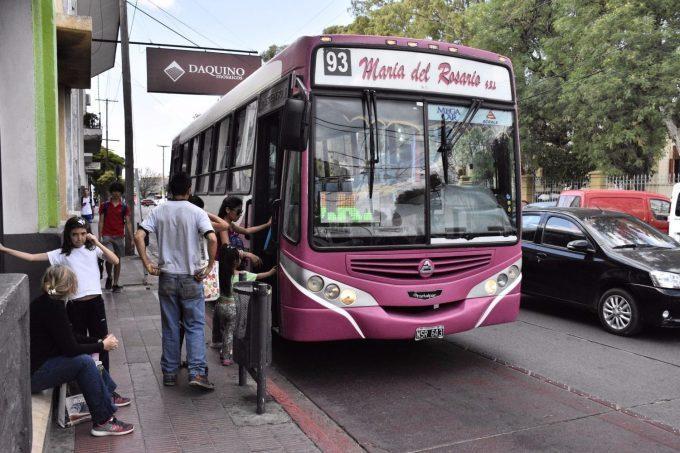 Se levantó el paro del transporte Interurbano