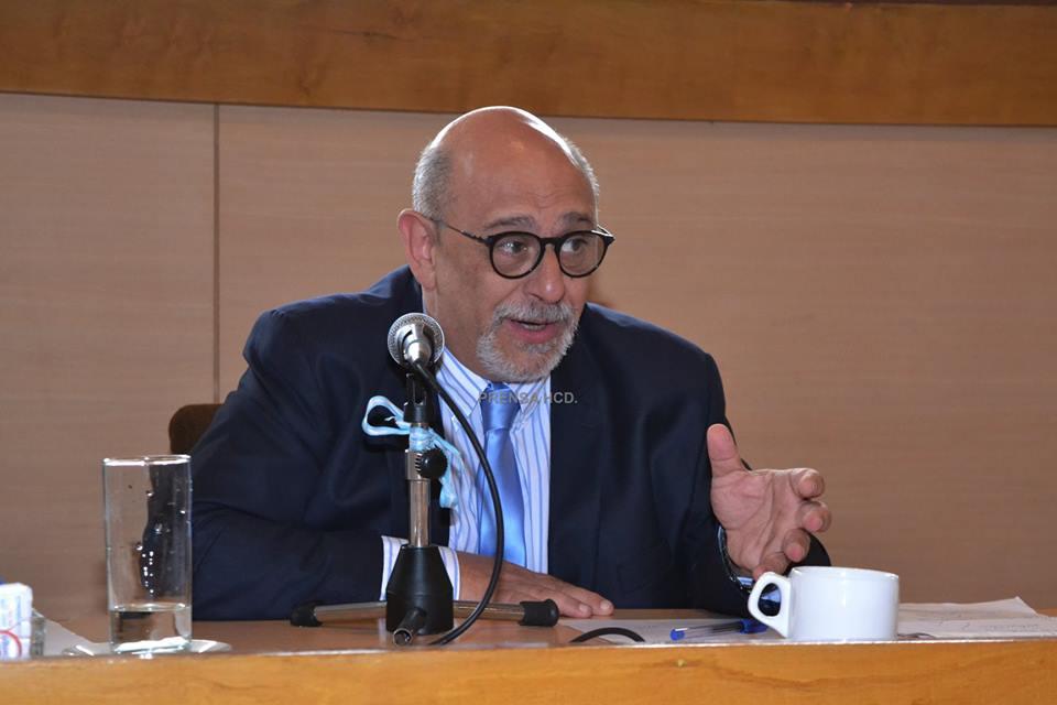 El doctor Schwartz le aconsejó al presidente Macri que busque ayuda profesional