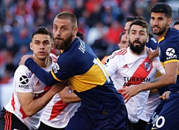 Una batalla: River y Boca empataron en un partido disputado