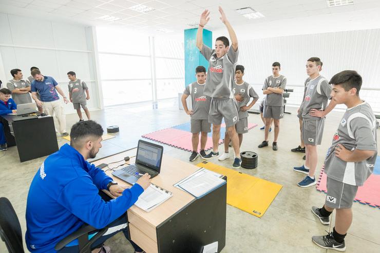 La 5ª división de Colegiales de Villa Mercedes pasó por el laboratorio de biomecánica