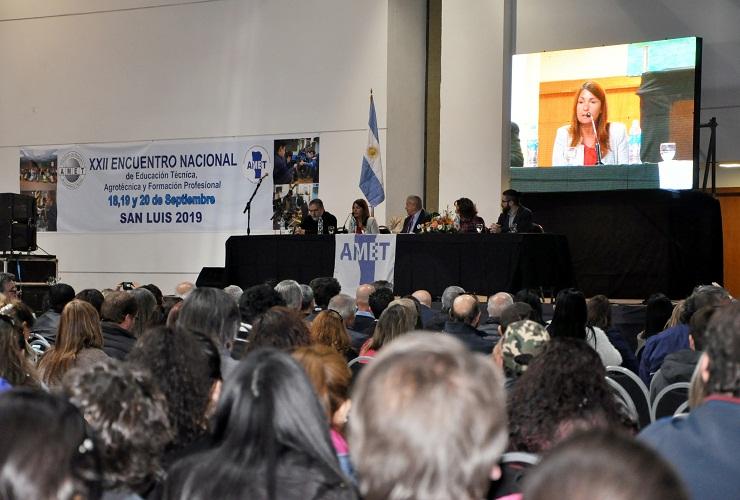 El Gobierno provincial participó de la apertura del Congreso Nacional de Escuelas Técnicas
