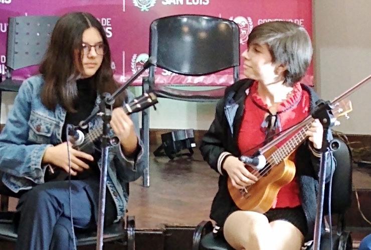 Cultura: muestra final de talleres de canto y ukelele