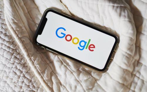 Google quiere escuchar tus conversaciones, pero primero preguntará
