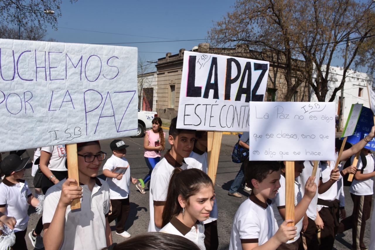 """El Colegio """"San Buenaventura"""", y una marcha a favor de la paz"""