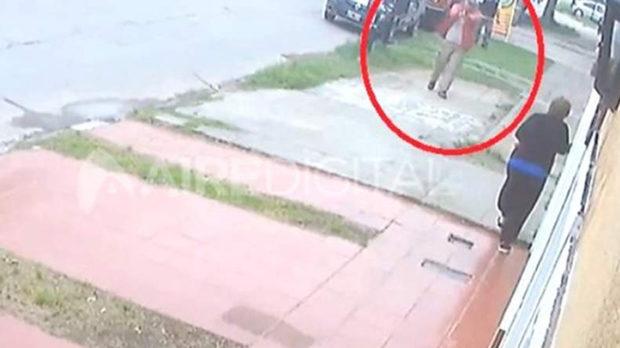Un adolescente le robó a una mujer y un policía de civil lo mató, en Santa Fe