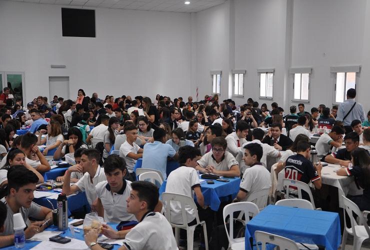 """Con la presencia de estudiantes de diferentes puntos del país, comenzó el certamen """"Formando emprendedores"""""""