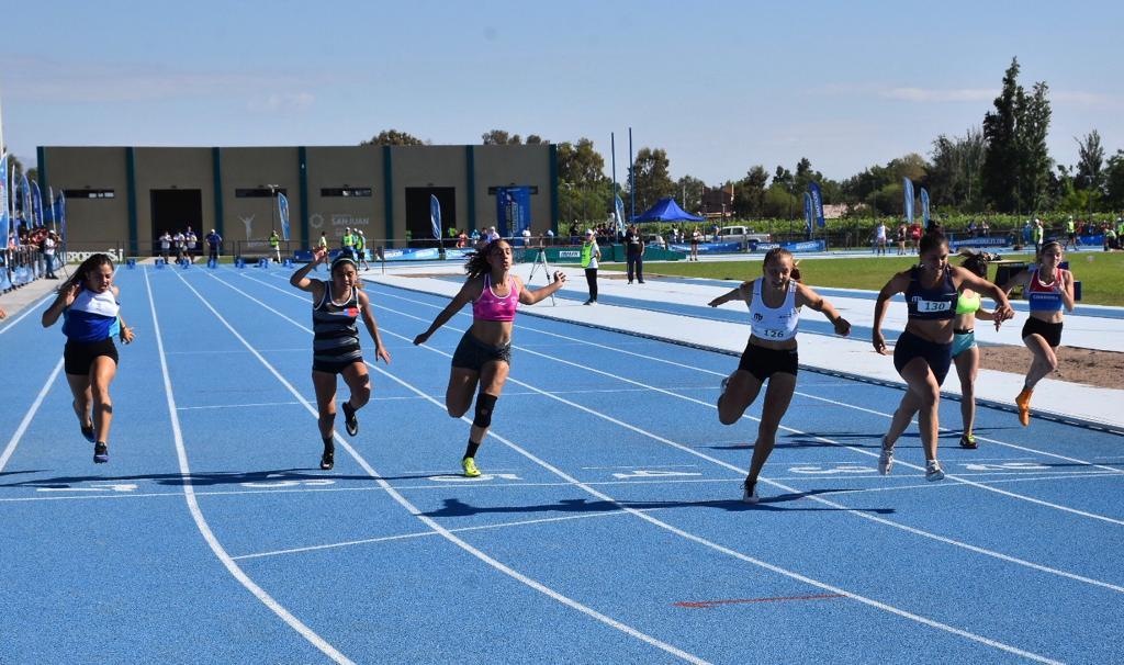 Juegos Binacionales: nueva medalla para San Luis y clasificación a semifinales en tenis y básquet