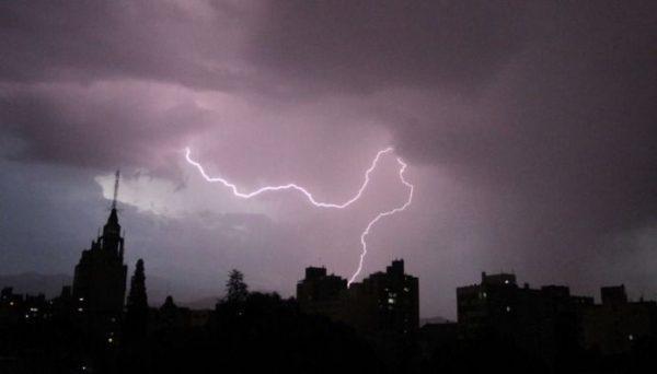 Mendoza sufrió la tormenta más eléctrica del mundo