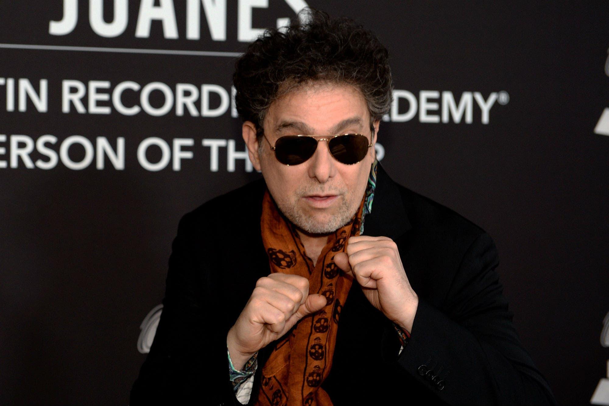 Dos Latin Grammy para Andrés Calamaro, que dio la nota en la primera ceremonia de los premios