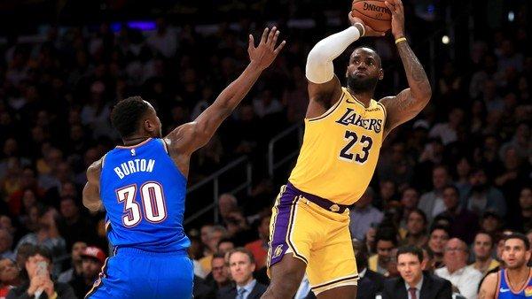 LeBron James logró un récord inédito en la historia de la NBA