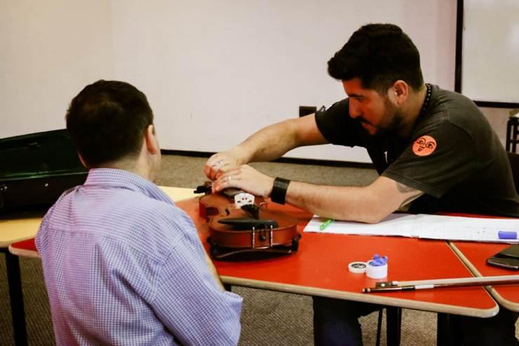 Como todos los meses, Franco Pinto volvió a Mercedes para dictar el curso de violín