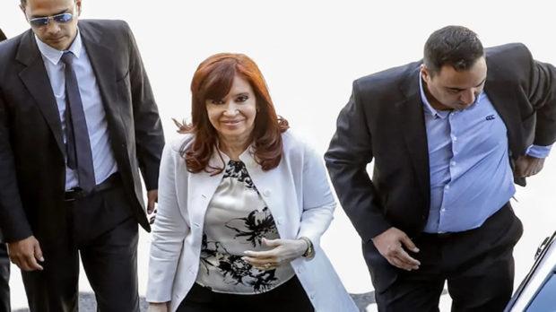 """Declaró Cristina Kirchner por corrupción en la obra pública: """"La historia me absolvió y me absolverá"""""""