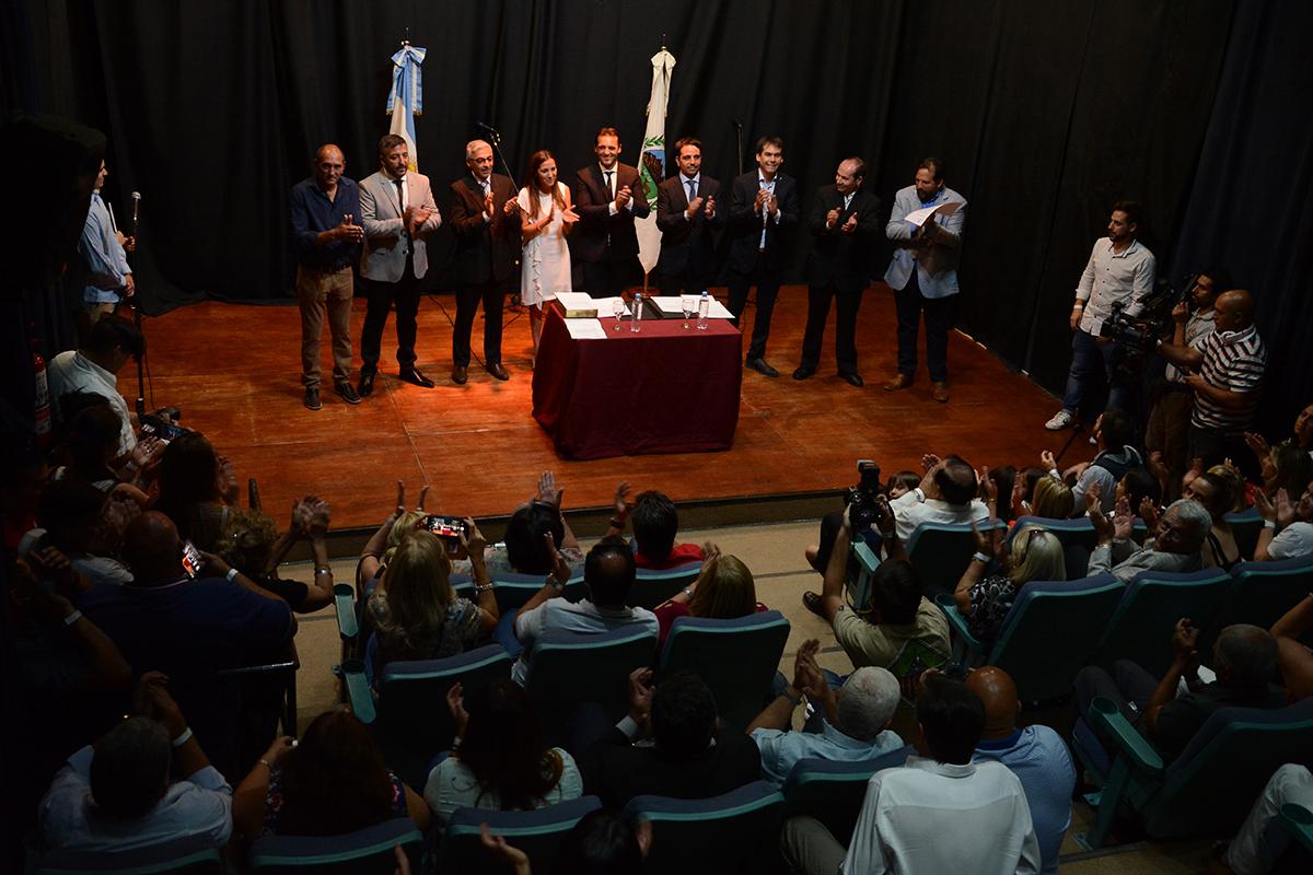 El intendente de San Luis Sergio Tamayo le tomó juramento a su Gabinete