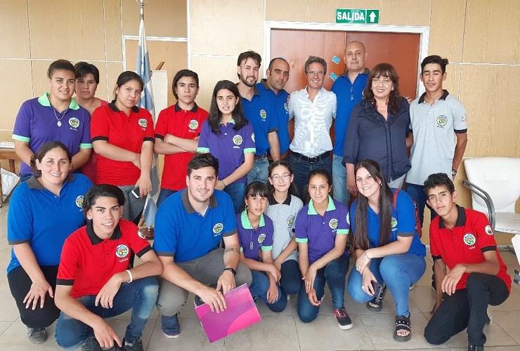 El ministro de Educación recibió a estudiantes de tres parajes del departamento San Martín