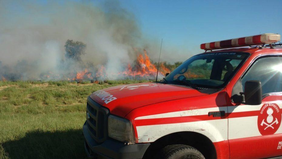Combaten un gran incendio en La Punta