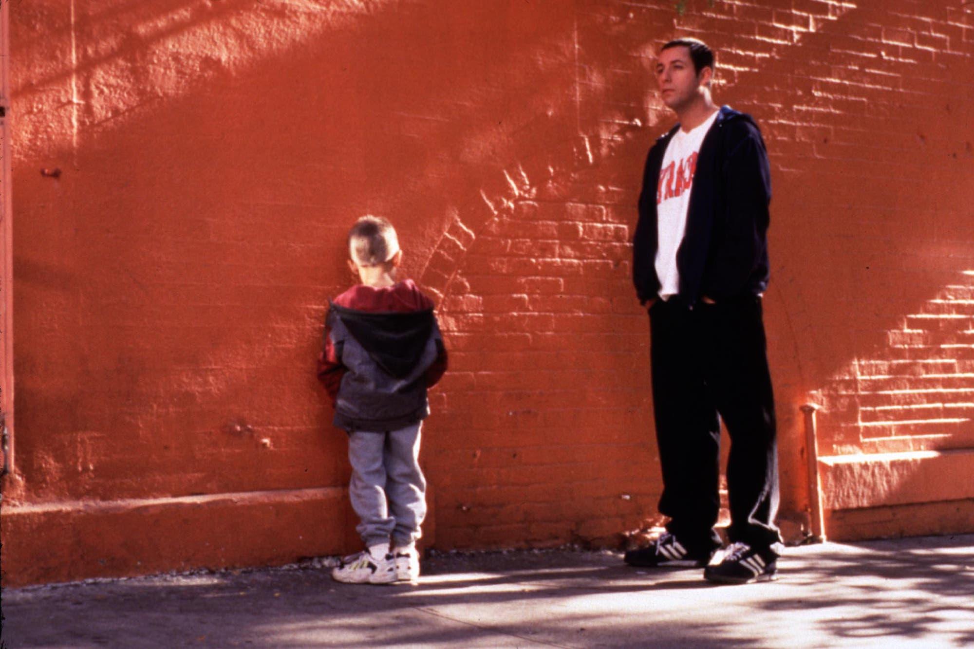 """20 años después: el reencuentro de Adam Sandler con su """"hijo"""" de Un Papá Genial"""