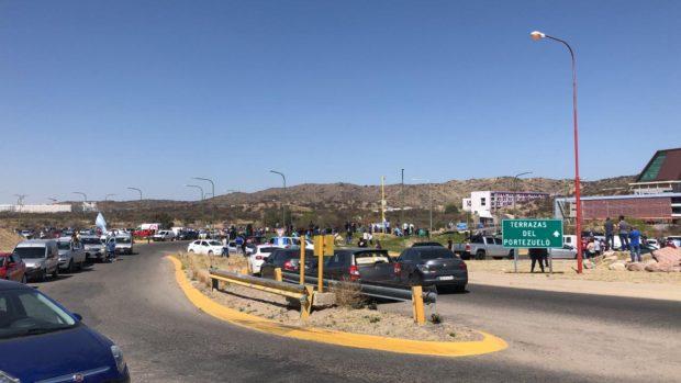 Multitudinarias marchas de comerciantes en San Luis y Villa Mercedes. Piden volver a trabajar