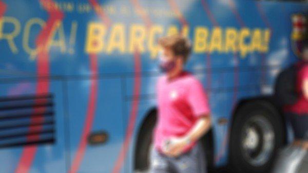 Riqui Puig, el nuevo borrado de Ronald Koeman en el Barcelona de Lionel Messi