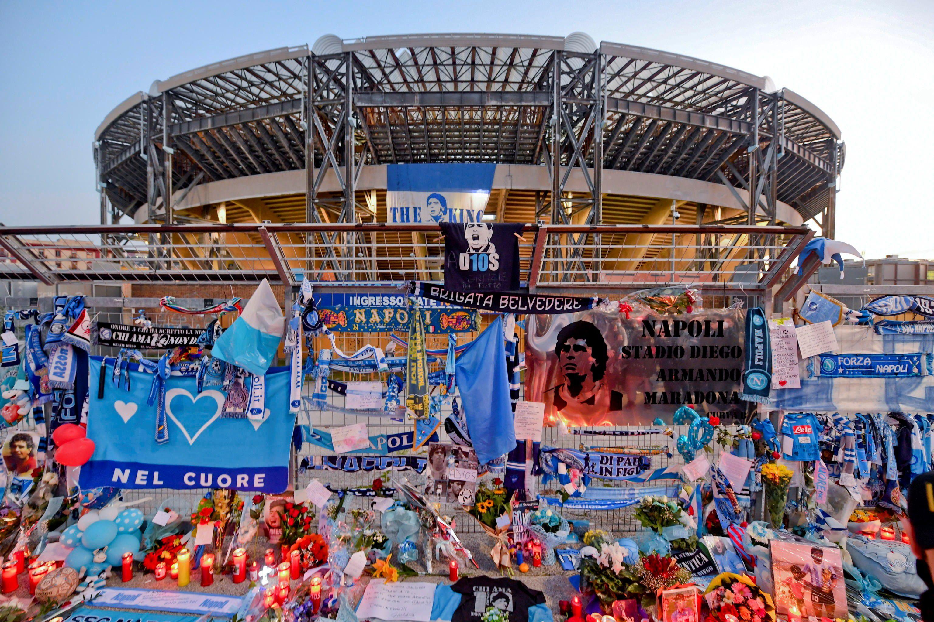 Murió Diego Maradona | Napoli despidió a su máximo ídolo con un conmovedor minuto de silencio