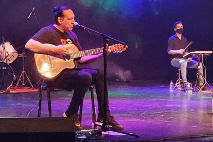 Vintage: el dúo de San Luis que toca temas de los '70, '80 y '90