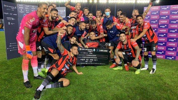 patronato-vencio-a-lanus-por-penales-y-se-clasifico-a-los-octavos-de-final-de-la-copa-argentina