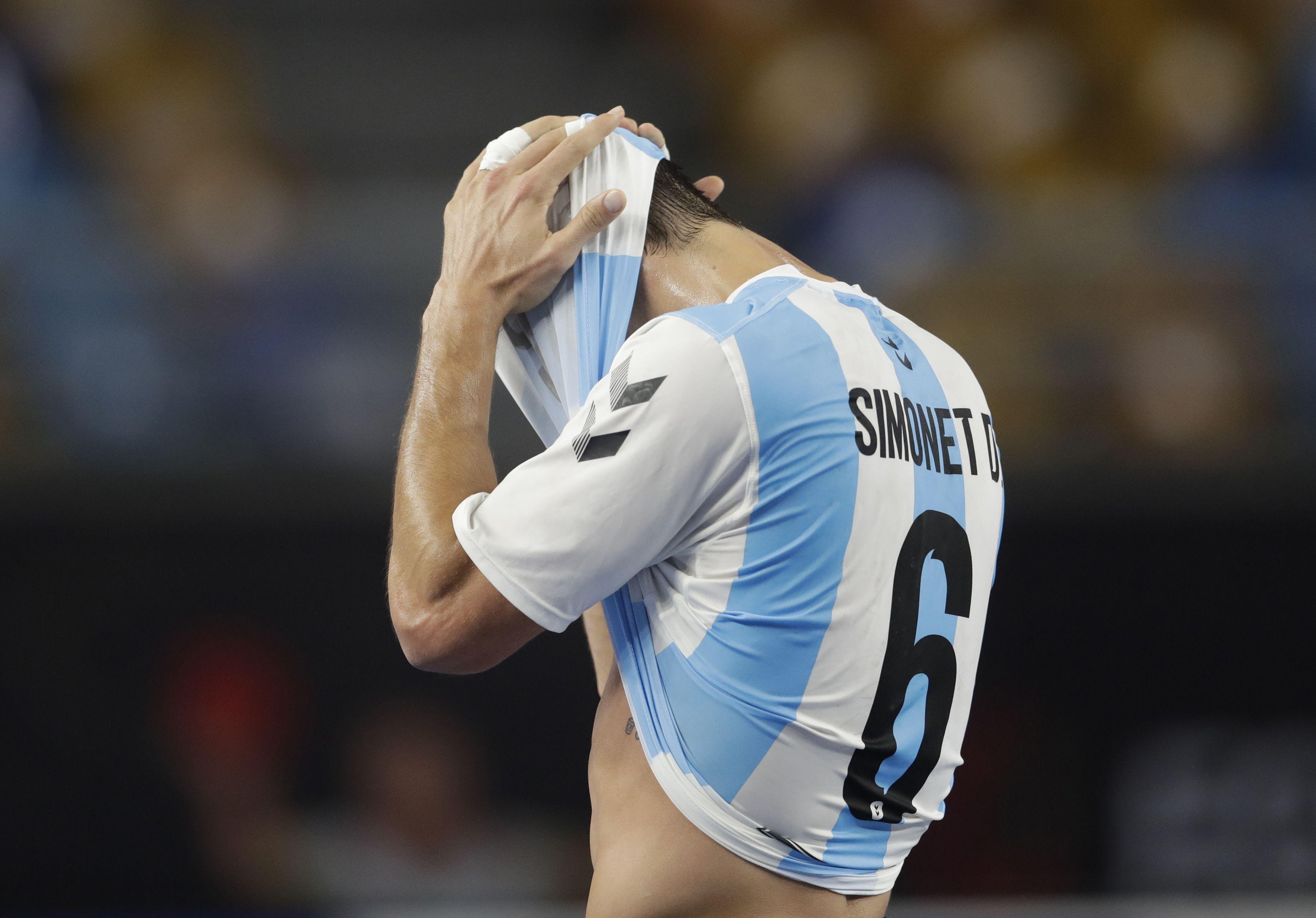 """diego-simonet,-el-artista-del-handball-argentino-que-creo-su-propio-juego-de-mesa-y-piensa-en-tokio:-""""los-franceses-nos-tienen-miedo"""""""