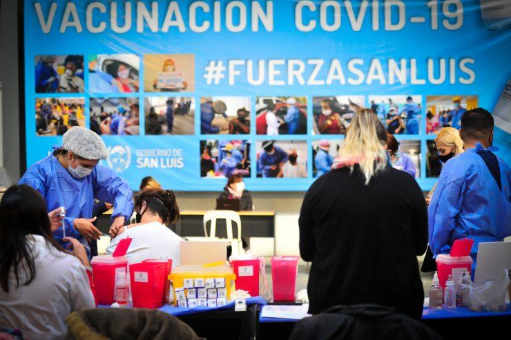 vecinos-de-san-luis-destacaron-la-organizacion-del-operativo-de-vacunacion
