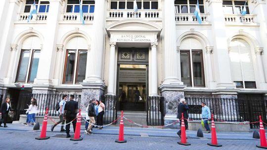 el-bcra-dispuso-que-los-bancos-podran-pasar-una-parte-de-sus-encajes-a-bonos-del-tesoro