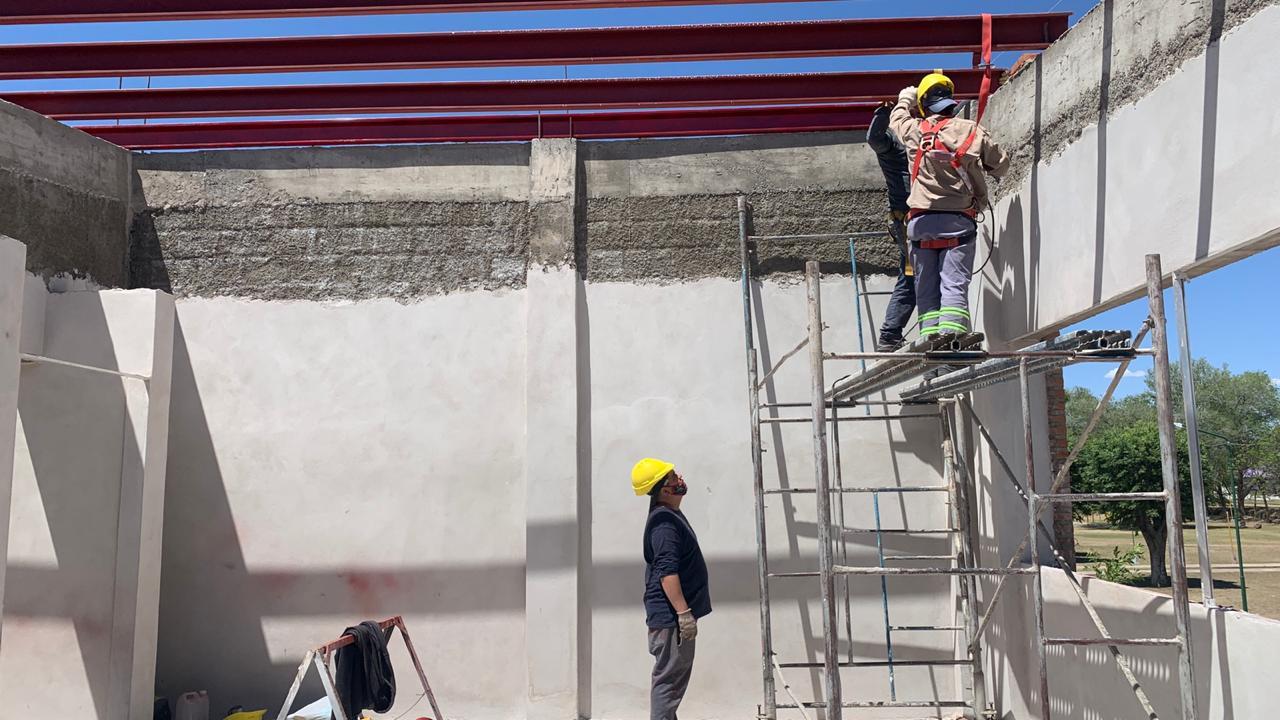 se-construiran-nuevas-aulas-upro-y-espacios-deportivos-en-buena-esperanza