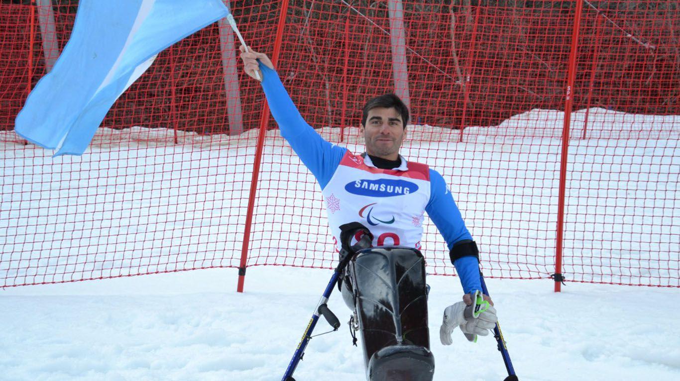 """""""carga-peligrosa"""":-es-esquiador-paralimpico,-pero-no-puede-entrenar-porque-no-le-dejaron-subir-su-monoski-al-avion"""