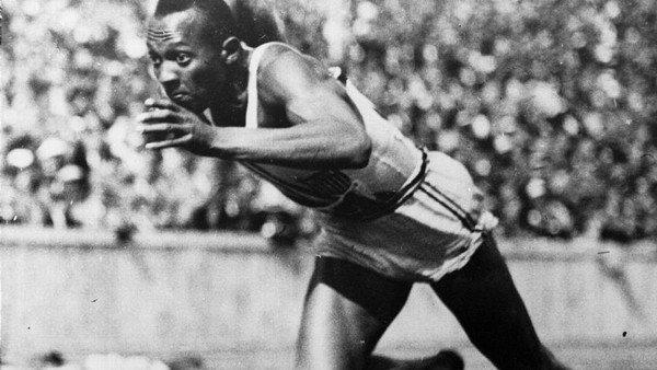 jesse-owens:-el-atleta-negro-que-puso-de-rodillas-al-poder-nazi-en-las-narices-del-propio-hitler